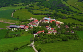 Chaugey - Cote d'Or - Photo: Christian Labeaune - click for full size