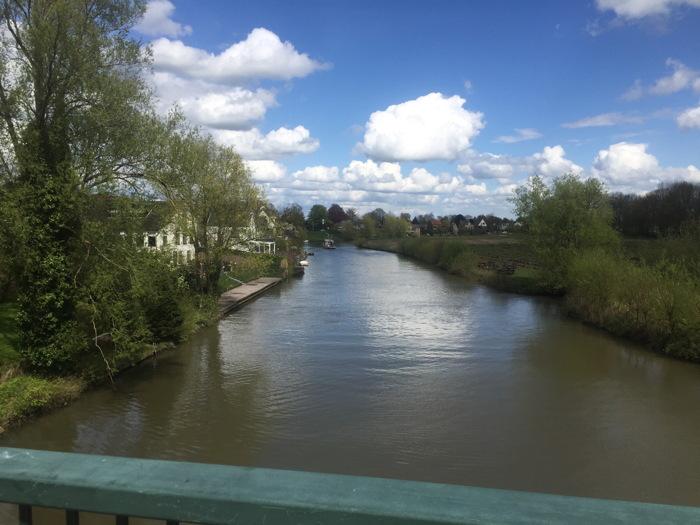 De laatste waterhindernis: de Linge bij Geldermalsen