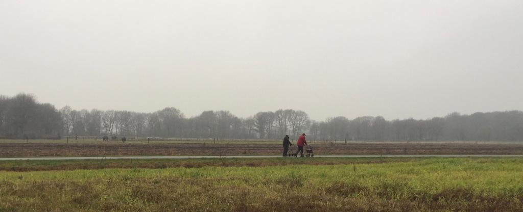 De eerste lopers vertrokken al ruim voor de start :)