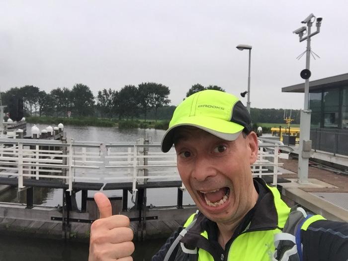 Even stoppen bij de sluis van Nieuwveen (op 12KM)