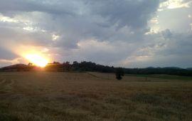 Een mooie zonsondergang in Dept. Gard