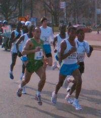 Haile  nr 1201, en vlak achter hem met nr.2 Kamiel Maase