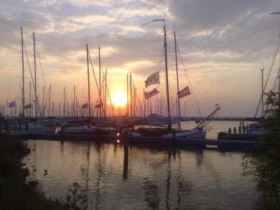JVC bij zonsondergang
